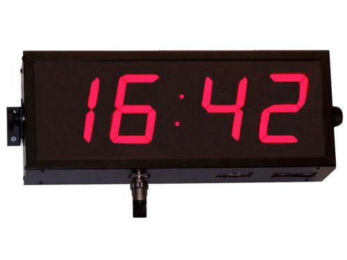 Large format industrial clock